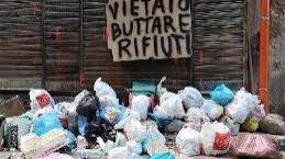 https://www.tp24.it/immagini_articoli/04-04-2019/1554355595-0-sicilia-rifiuti-polemiche-governo-boccia-piano-regione.jpg
