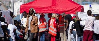 https://www.tp24.it/immagini_articoli/14-06-2021/1623678104-0-immigrazione-nbsp-1200-persone-arrivate-sabato-a-lampedusa-distribuite-tra-sicilia-e-calabria.jpg