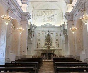 https://www.tp24.it/immagini_articoli/17-04-2020/1587156930-0-coronavirs-torniamo-dire-messa-matrimoni-funerali.jpg