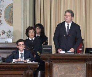 https://www.tp24.it/immagini_articoli/22-10-2019/1571762191-0-taglio-soft-vitalizi-politici-siciliani.jpg