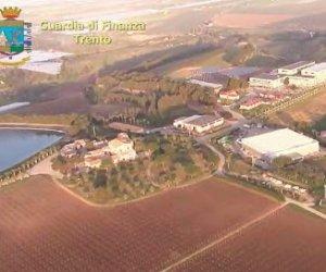 https://www.tp24.it/immagini_articoli/23-03-2020/1584967011-0-cugini-salvo-matteo-messina-denaro-affari-cantina-feudo-arancio.jpg