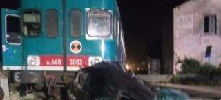 https://www.tp24.it/immagini_articoli/24-04-2019/1556083428-0-sicilia-treno-auto-morto-ferito.jpg