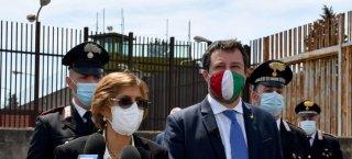 https://www.tp24.it/immagini_articoli/24-10-2021/1635054985-0-non-si-puo-negare-aiuto-a-chi-salva-vite-sicilia-iniziato-il-processo-a-salvini-nbsp.jpg