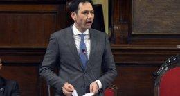 https://www.tp24.it/immagini_articoli/27-11-2020/1606455775-0-la-gestione-del-covid-in-sicilia-non-passa-la-mozione-di-censura-a-razza-nbsp.jpg