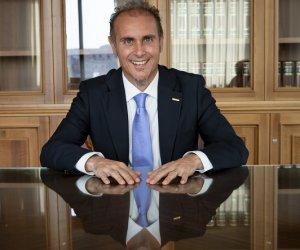 https://www.tp24.it/immagini_articoli/27-11-2020/1606475390-0-santangelo-m5s-sbloccati-37-milioni-annui-destinati-alle-piccole-e-medie-imprese-siciliane.jpg
