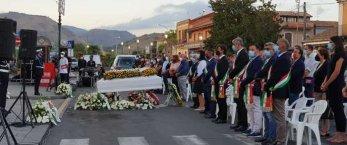 https://www.tp24.it/immagini_articoli/28-08-2021/1630128618-0-sicilia-nbsp-l-ultimo-saluto-a-vanessa-uccisa-dall-ex-fidanzato-con-sette-colpi-di-pistola-nbsp.jpg